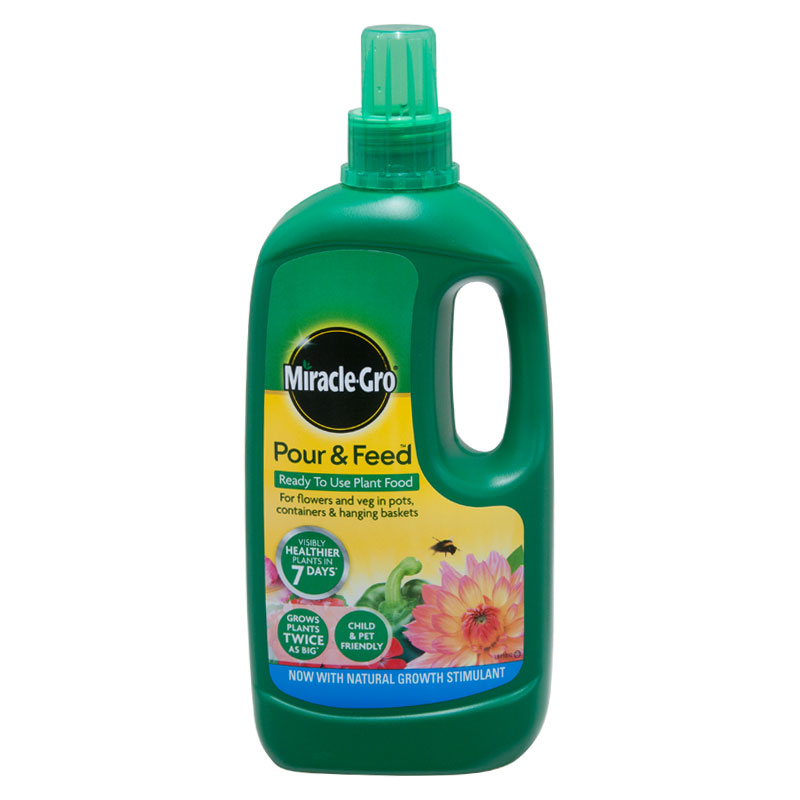 Miracle-Gro Pour and Feed Ready to Use Plant Food, 1 Litre